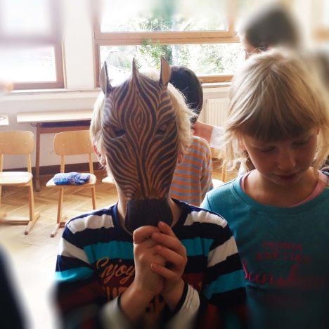 https://karibuni-online.de/wp-content/uploads/2016/11/Karibuni-Workshop-Kinder-der-Welt3.jpg